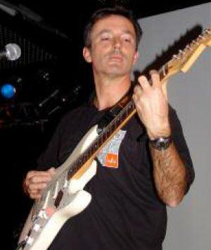 Spendensammeln mit der E-Gitarre